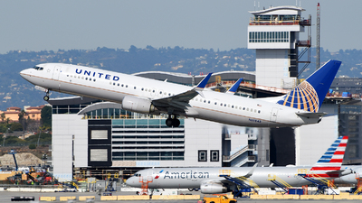 A picture of N68843 - Boeing 737924(ER) - United Airlines - © Rocky Wang