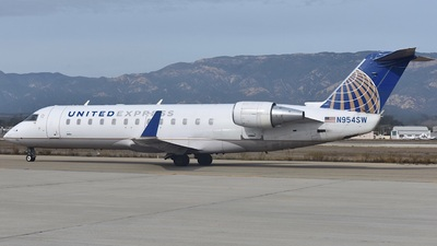 N954SW - Bombardier CRJ-200ER - United Express (SkyWest Airlines)