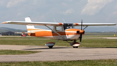 A picture of CFIIP - Cessna 150L - [15072673] - © Mike MacKinnon