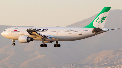 A picture of EPMNJ - Airbus A300B4603 - Mahan Air - © Mohammad Rozve