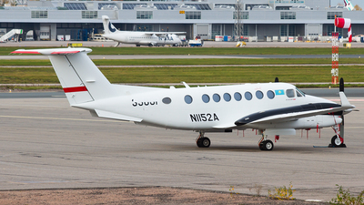 N1152A - Beechcraft B300 King Air 350i - Private