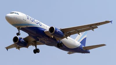 VT-IEZ - Airbus A320-232 - IndiGo Airlines