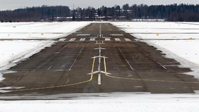 EFHF - Airport - Runway