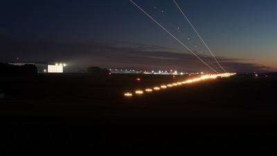 EDFH - Airport - Runway