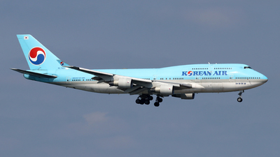 A picture of HL7402 - Boeing 7474B5 - Korean Air - © Jubilant Chan - AHKGAP