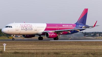 A picture of HALXV - Airbus A321231 - Wizz Air - © Loredana Cioclei