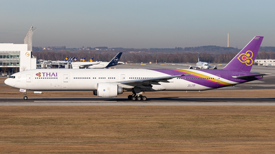 HS-TKM - Boeing 777-3ALER - Thai Airways International