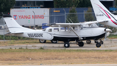 VH-WOT - Cessna 207 Skywagon - Private