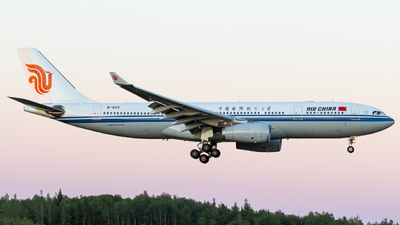 A picture of B6113 - Airbus A330243 - Air China - © Rickard Andersson