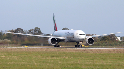 A6-ENF - Boeing 777-31HER - Emirates