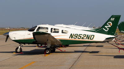 N952ND - Piper PA-28-181 Archer TX - University Of North Dakota
