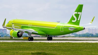 A picture of VPBTY - Airbus A320271N - S7 Airlines - © Alexander Lebedev