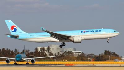 A picture of HL8001 - Airbus A330323 - Korean Air - © TATSU