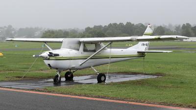 VH-KVS - Cessna 150G - Private
