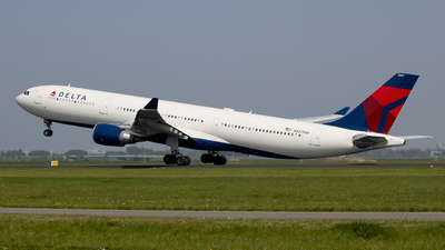 N827NW - Airbus A330-302 - Delta Air Lines