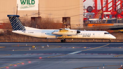 A picture of CGKQB - De Havilland Canada Dash 8400 - Porter Airlines - © Oliver Richter