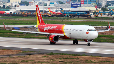 A picture of VNA633 - Airbus A321211 - VietJet Air - © Huy Do