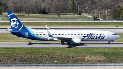A picture of N403AS - Boeing 737990(ER) - Alaska Airlines - © Brady Noble