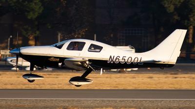 N6500L - Lancair LC40-550FG Columbia 300 - Private