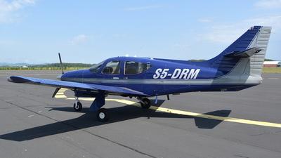 S5-DRM - Rockwell Commander 114B - Letalski center Maribor