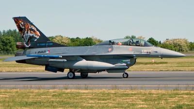 J-882 - General Dynamics F-16BM Fighting Falcon - Netherlands - Royal Air Force