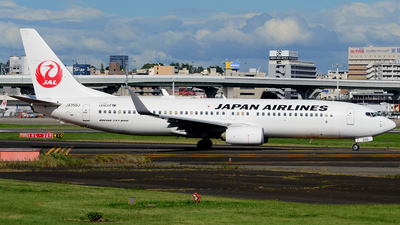 JA350J - Boeing 737-846 - Japan Airlines (JAL)