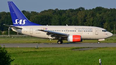 LN-RPY - Boeing 737-683 - Scandinavian Airlines (SAS)