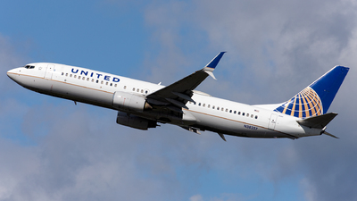 A picture of N38257 - Boeing 737824 - United Airlines - © OCFLT_OMGcat