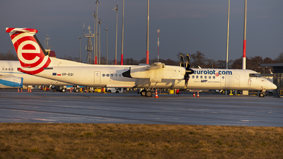 A picture of SPEQI - De Havilland Canada Dash 8400 - LOT - © Pawel Ri