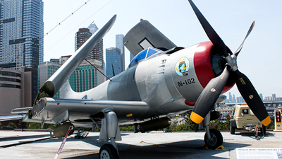09102 - Douglas XAD-1 Skyraider - United States - US Navy (USN)