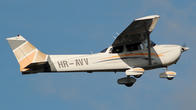 HR-AVV - Cessna 172 Skyhawk - Private