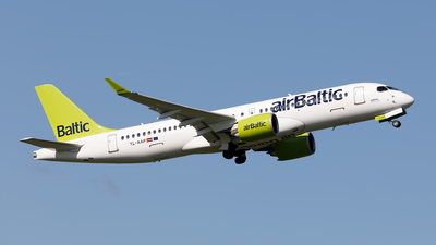 A picture of YLAAP - Airbus A220300 - Air Baltic - © Hanjo Schrenk