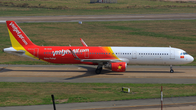 A picture of VNA628 - Airbus A321211 - VietJet Air - © Quang Huy