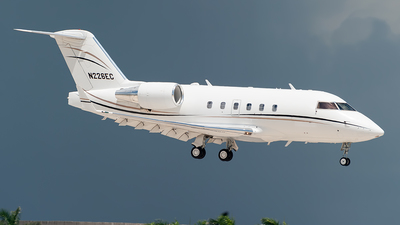 N226EC - Bombardier CL-600-2B16 Challenger 601-3A - Private