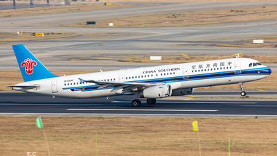 A picture of B6398 - Airbus A321231 - China Southern Airlines - © Yan Shuai