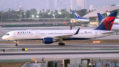 N6705Y - Boeing 757-232 - Delta Air Lines