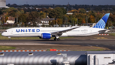 A picture of N13013 - Boeing 78710 Dreamliner - United Airlines - © Ervin Eslami | UK Jets