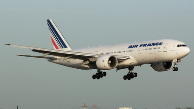 F-GSPO - Boeing 777-228(ER) - Air France