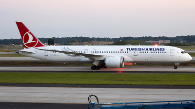 A picture of TCLLG - Boeing 7879 Dreamliner - Turkish Airlines - © JinZi