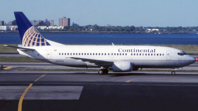 N10323 - Boeing 737-3T0 - Continental Airlines