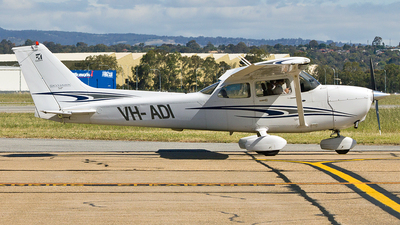 VH-ADI - Cessna 172S Skyhawk SP - Private