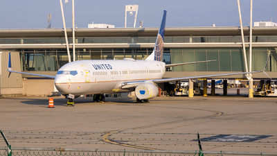 A picture of N34460 - Boeing 737924(ER) - United Airlines - © Stephen J Stein