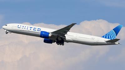 N2251U - Boeing 777-322ER - United Airlines