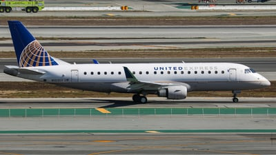 A picture of N103SY - Embraer E175LR - United Airlines - © KenKen Huang