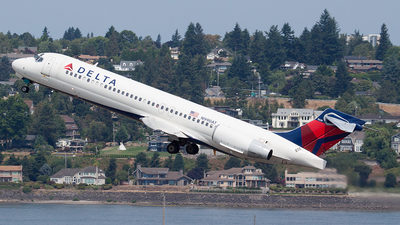 N990AT - Boeing 717-23S - Delta Air Lines