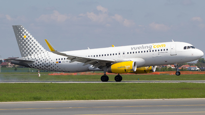 EC-MEA - Airbus A320-232 - Vueling