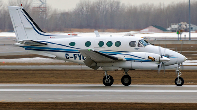 C-FYCB - Beechcraft E90 King Air - Private