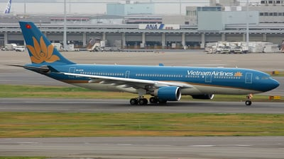 VN-A376 - Airbus A330-223 - Vietnam Airlines