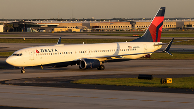 A picture of N844DN - Boeing 737932(ER) - Delta Air Lines - © JinZi