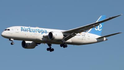 A picture of ECMOM - Boeing 7878 Dreamliner - Air Europa - © Gautham Kurup